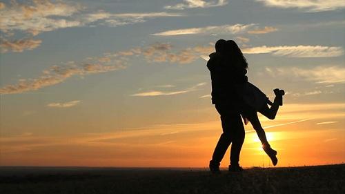 Top 3 chòm sao nữ sợ chuyện yêu xa nhất trong 12 cung Hoàng đạo