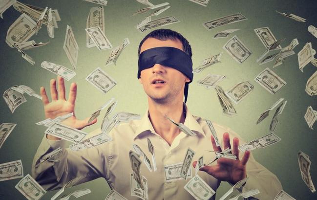 Đừng mải mê kiếm tiền làm giàu mà mắc phải những sai lầm này
