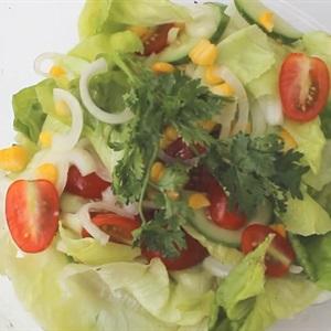 Salad trộn dầu giấm