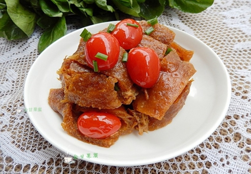 Thịt lợn om cà chua bi đơn giản dễ làm