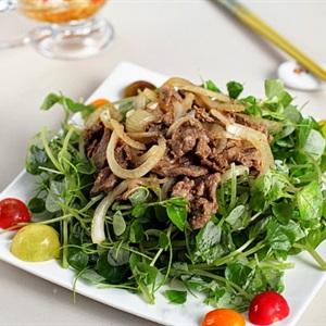 Gỏi thịt bò trộn rau càng cua