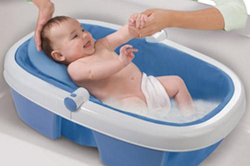 4 lỗi mẹ nào cũng mắc phải khi tắm cho trẻ sơ sinh khiến bé cảm lạnh, nôn trớ, số 4 hại nhất