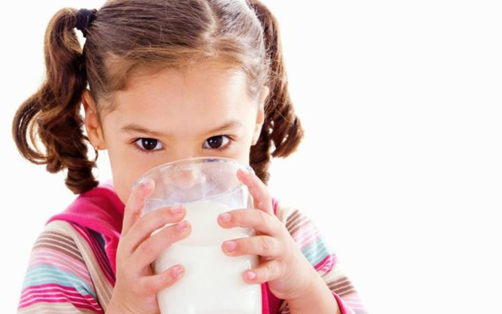 Trẻ em có thực sự cần uống sữa ?