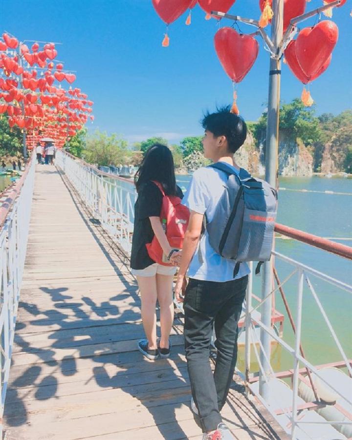 Hẹn hò tại khu du lịch ở Sài Gòn