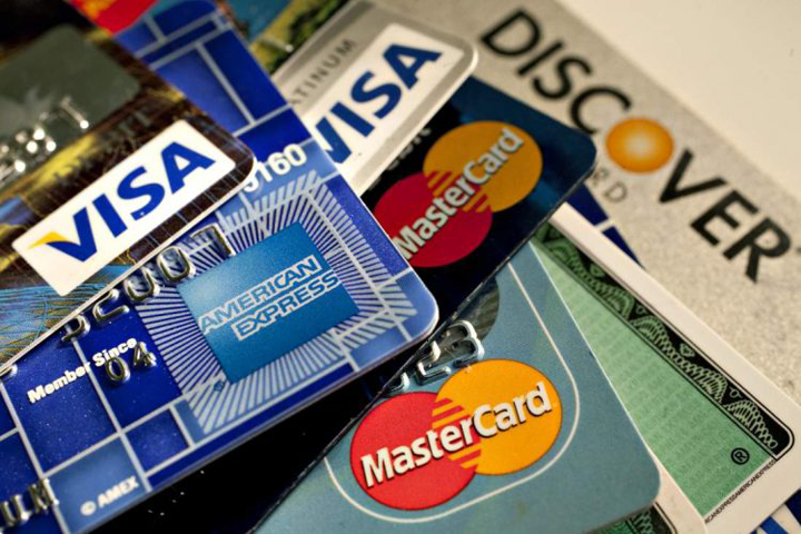 Vì sao tài khoản ngân hàng bị khóa?
